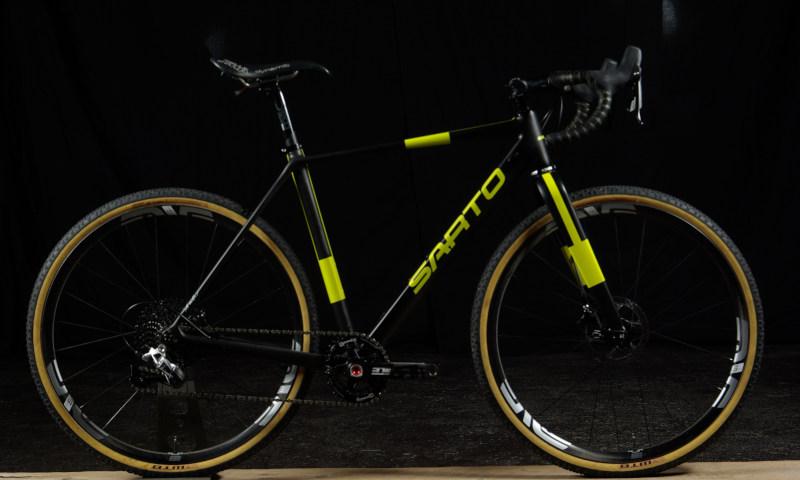 sarto-gravel-yellow-black-sram-enve
